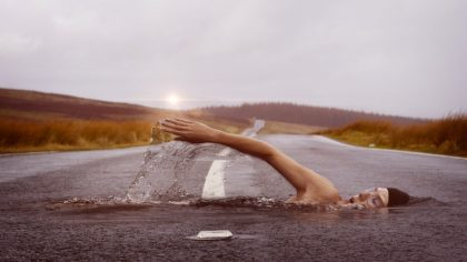人生という川で溺れてかけていませんか?